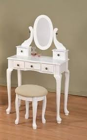 Bed Bath And Beyond Vanity Table So Want This For Maddie U0027s Room Great For Her Computer And For