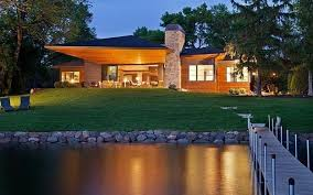 Spectacular Eco Friendly Modern House Designs On Lakes - Modern green home designs