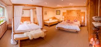 Schlafzimmer Holz Zirbe Zirbenbett Und Zirbenschreinerei Steiner Auf Zirbenbett De