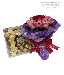 3 dozen roses 3 dozen mixed roses bouquet with chocolate vd 40 gift2cambodia