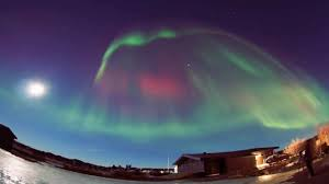 how to see the northern lights in iceland northern lights aurora borealis dancing over iceland pictures
