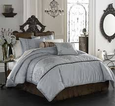 Difference In Duvet And Comforter Comforter Or Duvet Apartment Therapy