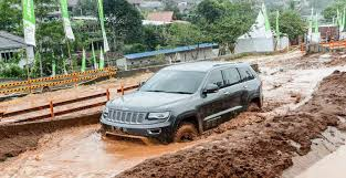 mobil jeep modifikasi kelebihan jeep wrangler atasi banjir carmudi indonesia