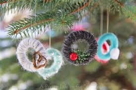 mini yarn wreath tree ornaments cdnhandmadeholiday a