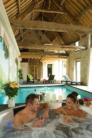chambre d hote avec piscine int駻ieure location vacances gîte noyant et aconin espace bien être spa