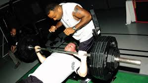Bench Press No Spotter File Bench Press Png Wikimedia Commons