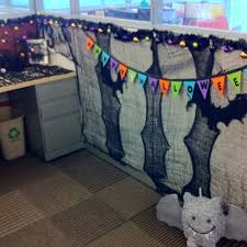Ideas For Decorating An Office Best 25 Halloween Cubicle Ideas On Pinterest Halloween Office