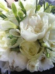 Wedding Flowers Hampshire Old Fashioned Wedding Bouquets Google Searchi Love The Trailing