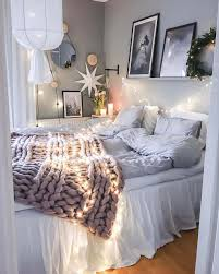 33 ultra cozy bedroom decorating ideas for winter warmth cozy bedroom decorating ideas for winter 05 1 kindesign
