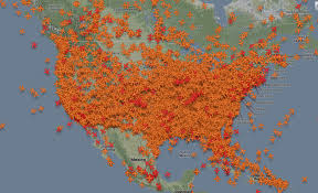 this map of planes in the air right now for thanksgiving will