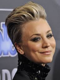 sweeting kaley cuoco new haircut see kaley cuoco sweeting s people magazine awards pompadour from