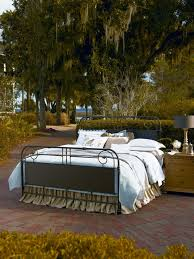 Paula Deen Down Home Bedroom Furniture by Universal Furniture Down Home Bedroom With Garden Gate Metal Bed