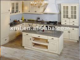 cuisine en bois blanc cuisine blanche en bois cuisine blanche bois clair tablette