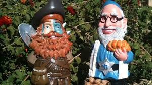 shalom gnome u0026 gnomeheart the coolest garden gnomes by gnombre
