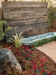 fuente de muro de madera jardines verticales pinterest