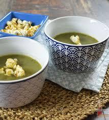 cuisiner celeri branche recette de soupe crémeuse au céleri