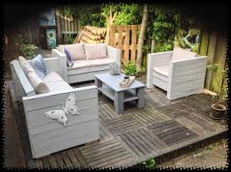 How To Make Pallet Patio Furniture by Pallet Outdoor Garden Set U2022 1001 Pallets