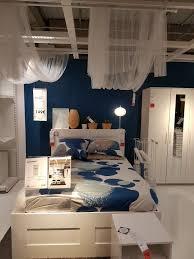 chambre brimnes chambre ikea brimnes mur bleu nuit lož