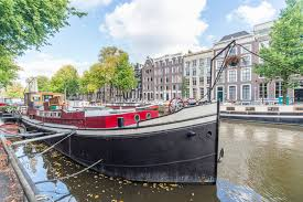 airbnb houseboats beautiful houseboat in a dam center boats for rent in amsterdam