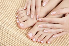 diy give yourself perfect manicure in 10 steps her101