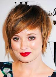 20 short hairstyles for round faces