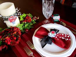 adorable home dining room valentine deco showing fabulous red