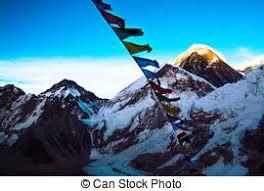 cimes illuminazione gokyo nepal everest bandiere preghiera ri vista immagine