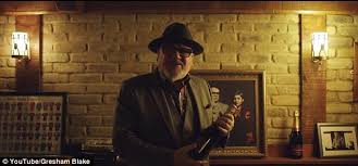 gangster film ray winstone ray winstone helps with a murder in domestic abuse film daily mail