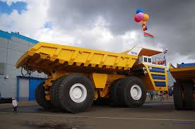 belaz 75710 world u0027s largest dump truck skyscrapercity