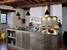 cuisine alu et bois cuisine metal patine déco cuisine cuisine métal