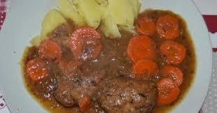 cuisiner sauté de porc sauté de porc aux carottes et pruneaux par guilois m une recette de