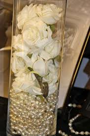 White Roses Centerpiece by Best 25 Pearl Centerpiece Ideas On Pinterest Lace Vase