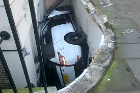 chelsea tractor crashes through railings into a fitzrovia basement
