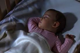 dim light for night feeds babies phasing out nighttime feedings