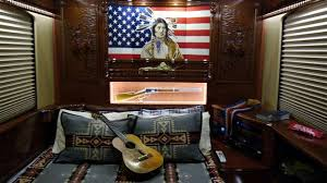 willie nelson fan page willie nelson s tour bus featured on extreme rvs for travel