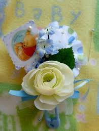 Baby Sock Corsage Baby Sock Bouquet Shows How To Make Baby Shower