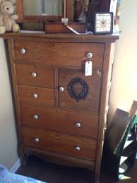 ANTIQUE OAK GENTLEMANS CABINET WITH 5 DRAWERS AND SMALL
