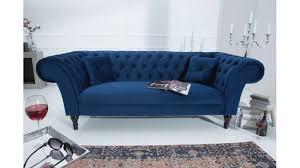 canapé velours canapé velours trois places chesterfield bleu avec pieds en bois