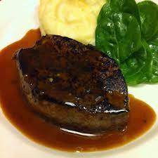 cuisiner le foie de veau pavé de foie de veau purée de panais et pousse d épinard recette