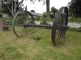 file hacienda chorlavi antique carriage wheels and axle jpg