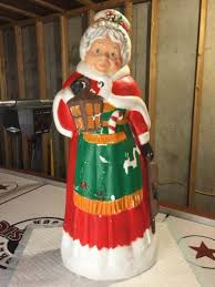 Vintage Christmas Lawn Ornaments by 538 Best Blowmolds Images On Pinterest Christmas Decorations