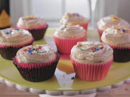 Frosting Recipe For Decorating Cupcakes Old Fashioned Cupcakes With Peanut Butter Frosting Recipe Trisha