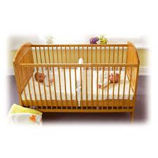 quand faire dormir bébé dans sa chambre reducteur de lit bébé lit bebe jumeaux et dormir