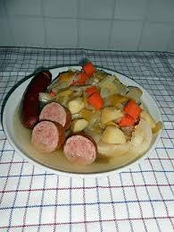 cuisiner des saucisses fum馥s recette de soupe au chou aux saucisses fumées et saucisson à l ail