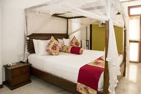 Room Extravagance Accommodation Suriya Arana Hotel Negombo Guest House Negombo