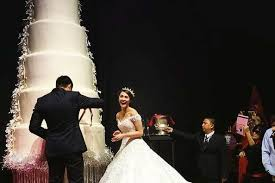 giant wedding cakes will the giant wedding cake of ph superstars marian rivera and