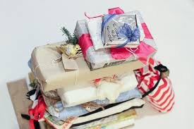 cheap gift wrap i tested these 15 eco friendly gift wrap ideas here are my