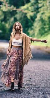 hippie style what to wear to a music festival a woman s guide hippie chic