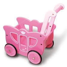 jeux en bois pour enfants landau rose en bois pour enfant rose décoration d u0027intérieur