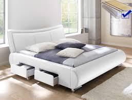 Schlafzimmer Bett Sandeiche Funvit Com Dunkles Wohnzimmer